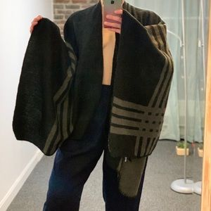Reversible Gray & Black Wooly Cape